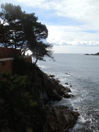 path near sAgaro and Sant Pol
